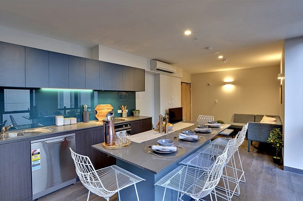Urbanest at UOA - Single Ensuite Room in 5p Apartment - Lounge - 1